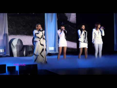2NE1 World Tour 2014 Live In Hong Kong 0B2K6768 1