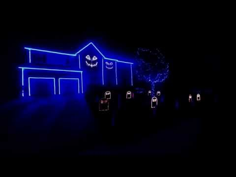 Halloween Light Show 2013- The Fox (what Does The Fox Say) video