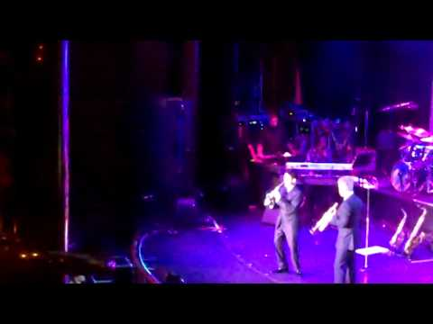 """Dave Koz And Chris Botti Perform """"Love Is On The Way"""" Live On The Dave Koz Cruise"""