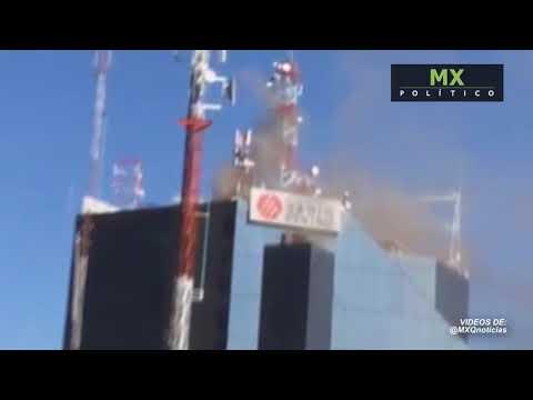 Reportan incendio en edificio de Grupo Radio Centro