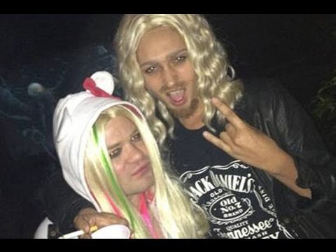 Avril Lavigne Costume Sparks Battle On Twitter