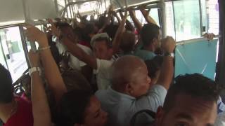 Viajando en Guagua por la Habana. Travelling around Havana in Bus