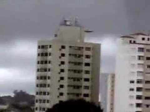 UFO EM ARARAQUARA (  www.mundosmash.com.br)