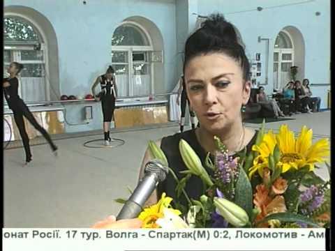 golaya-russkaya-zhena-poziruet