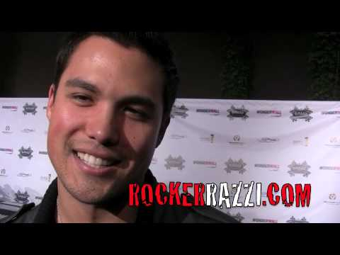 michael copon kim kardashian. Michael Copon ( Twitter Girl )