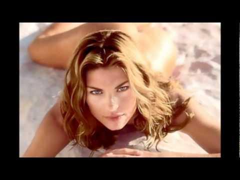 The cream of Italian beauty.SARA TOMMASI,ALESSIA MARCUZZI (Domenico Modugno canta)