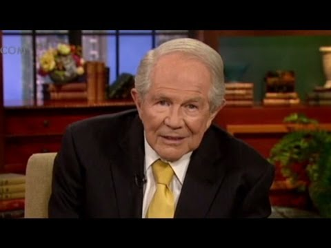 Pat Robertson Cheating Comments: 'Males Have a Tendency to Wander'