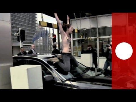 Le Femen colpiscono anche a Bruxelles, protesta contro il Premier tunisino