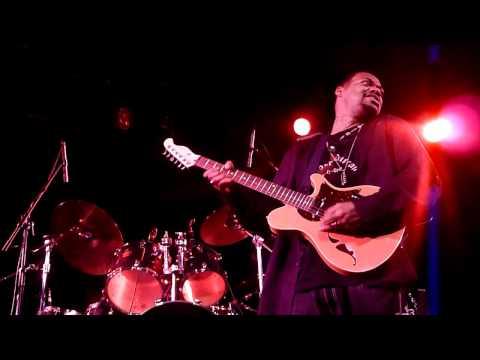 Eric Gales Live! Hendrix' Purple Haze/Manic Depression 1/15/11
