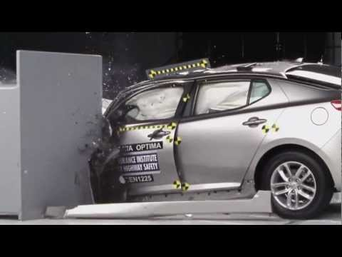 2012 Crash Test Kia Optima IIHS Small Overlap Test [Acceptable]