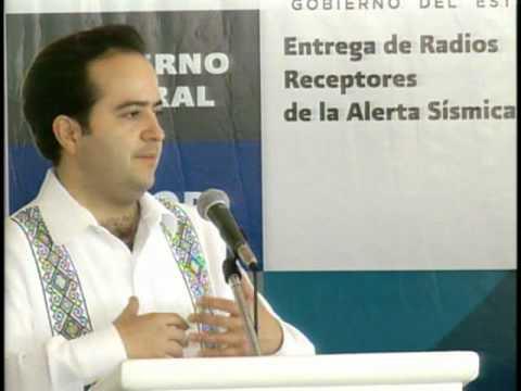 Entrega de radio receptores de alerta sísmica en Acapulco, Guerrero