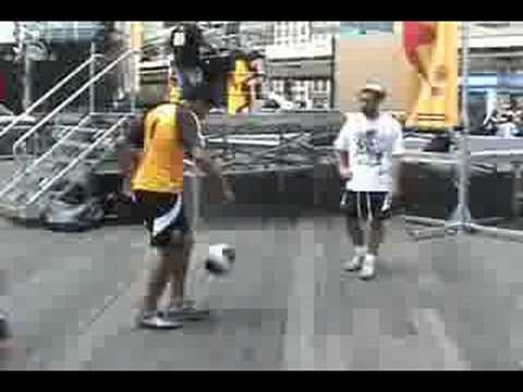 "New York Red Bulls Street Team freestyling with Soufiane Touzani and Hamza El Hammachi in New York City.""CHECK IT OUT!! THE OFFICIAL YOUTUBE CHANNEL FROM SOU..."