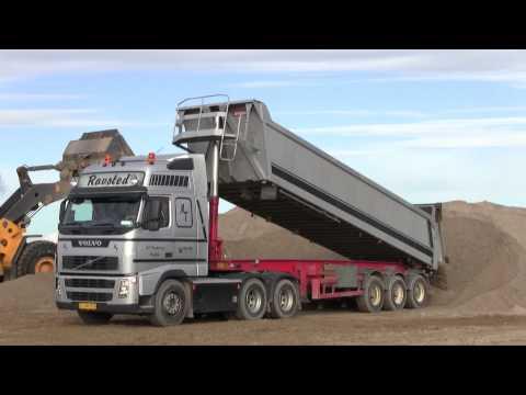 Volvo FH12 480 6x2 Dumping Sand