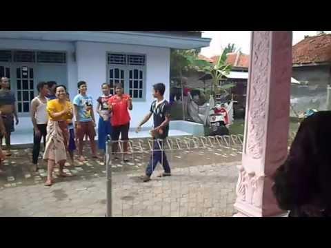 TAWURAN/SURAK DESA LANGUT LOHBENER INDRAMAYU thumbnail
