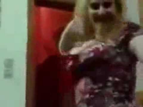 arabic hot girl dance at home very very hot private mujra party...