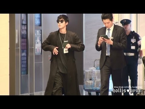 130605 Kim Hyun Joong 김현중 Street Dancing - Haneda To Gimpo Airport video