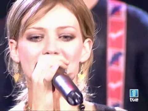 Hilary Duff Wake Up at Musica Uno