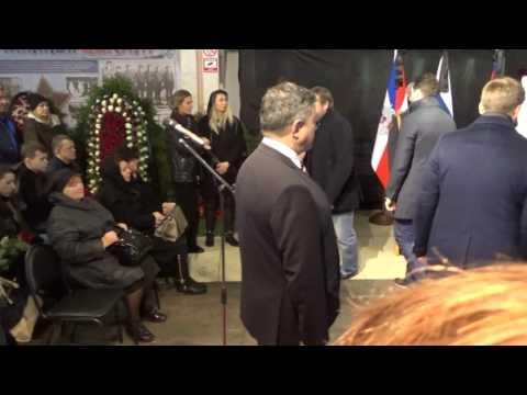 Олег Знарок поклонился гробу Сергея Гимаева на церемонии прощания
