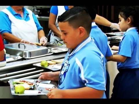 A fine for parents? Fighting obesity in Puerto Rico (Learning World: S5E29, 1/3)