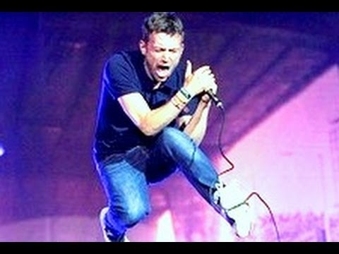 Blur play Song 2 live at this summer's Hyde Park Show marking the close of the 2012 Olympic Games. The full Show is available on DVD now. The 5 CD/DVD PArklive deluxe edition includes best...