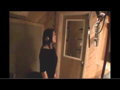 Lizzy Loeb Sings