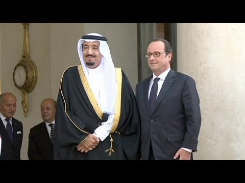 Hollande welcomes Saudi crown prince for talks on terrorism