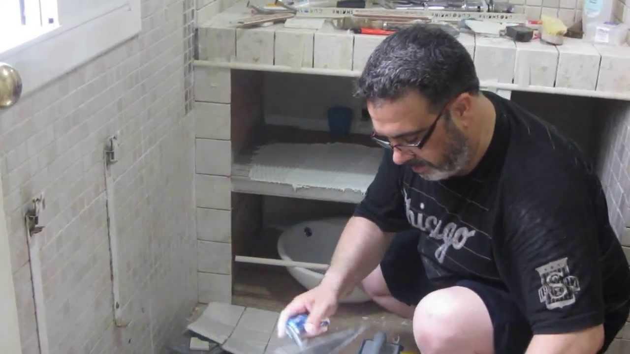 Ducha y mueble ba o estilo greco romano youtube for Muebles de bano de obra