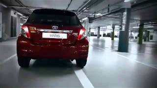 New  Toyota Yaris. The problem of parking does not exist.mp4