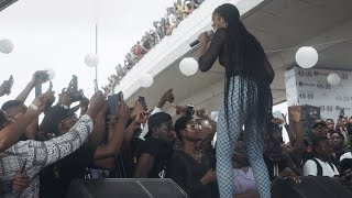 Tiwa Savage performs #4999 for the first time in Lagos!