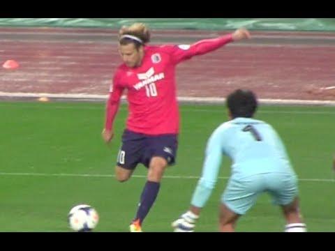 ディエゴ フォルラン来日初ゴール! | Llegó el gol de Diego Forlán Corazo Cerezo Osaka