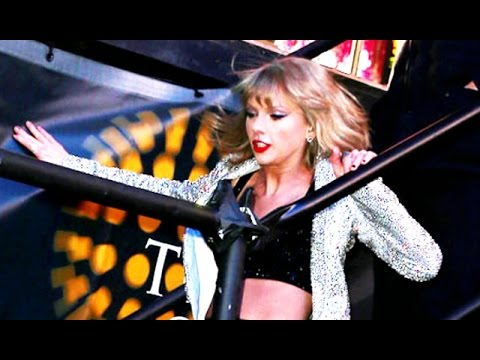 Taylor Swift Falls Down Stairs On New Year's Eve