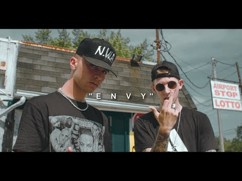 Johnny5 Ft. Lil Johnnie -