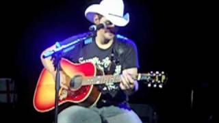 Watch Brad Paisley The Cigar Song video