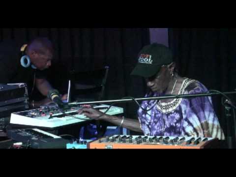 Bernie Worrell, DJ Logic, Freekbass (Headtronics) - Billie Jean