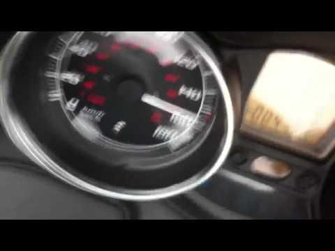 Mp3 400 lt vitesse de pointe 0km/h au max