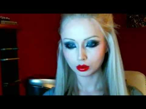 Valeria Lukyanova Amatue MakeUp - gothic