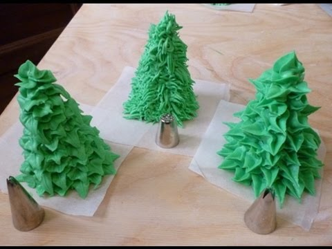Watch Decorare con glassa reale (alberi) - Royal icing decorations (trees) by ItalianCakes