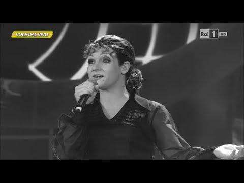 """Valerio Scanu interpreta Orietta Berti e canta """"Via dei ciclamini"""" – Tal e Quale Show 17/10/2014"""