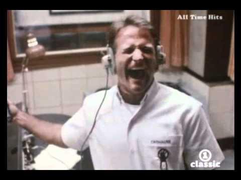 James Brown - I feel good (Good Morning Vietnam Soundtrack) 1988