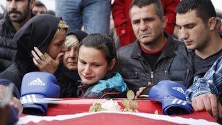 'Boğazın Boğası' Sinan Şamil Sam, Gözyaşlarıyla Son Yolculuğuna Uğurlandı