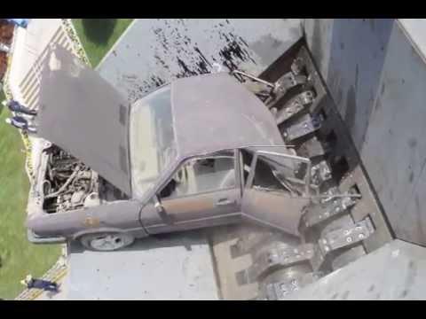 車も一瞬で飲み込む大型シュレッダーの凄さ。