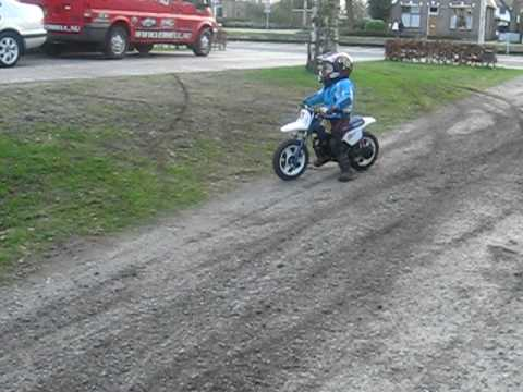 Three year old Luca Worner Sliding on his Yamaha PW 50 1996 model Last day 27.03.2010 Video