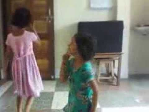 Dadi Amma Man Jao With Little Girls video