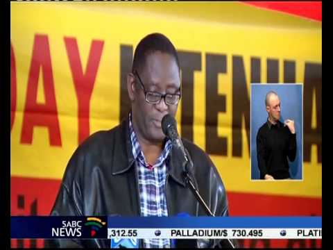 Cosatu General Secretary Zwelinzima Vavi has apoligised to his supporters and workers.