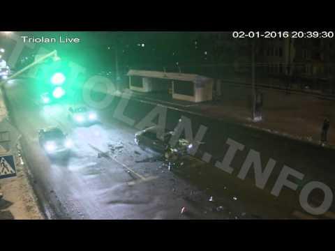 ДТП на проспекте Героев Сталинграда  - остановка 27 микрорайон (02-01-2016)