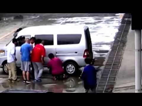Un niño fue atropellado por una camioneta y salió ileso