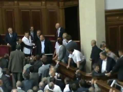 Bătaie pentru un proiect de lege în Rada Ucraineană