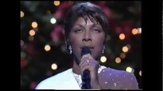 Watch Natalie Cole Silent Night video