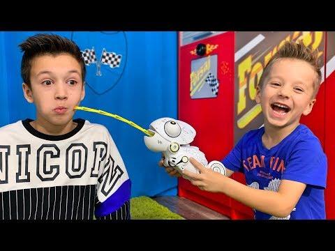 Как Дети МОГЛИ Забыть ! Папа в Шоке! Kids Play with Toys at Home