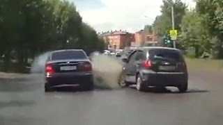 Fail Compilation of Driving in Russia JUNE 2015 #1